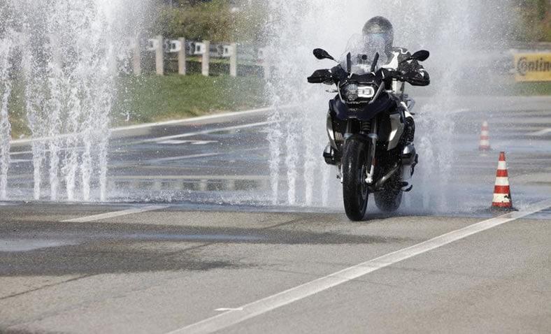 corsi di guida in moto