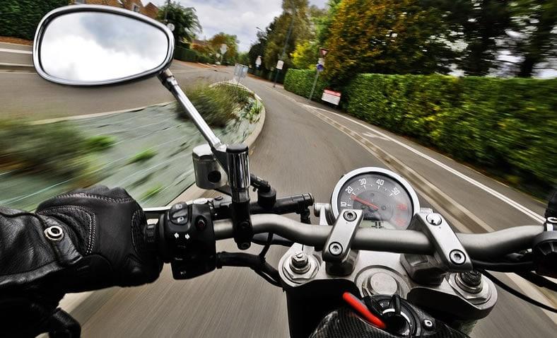 come guidare una moto