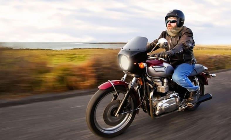 guidare in sicurezza la moto